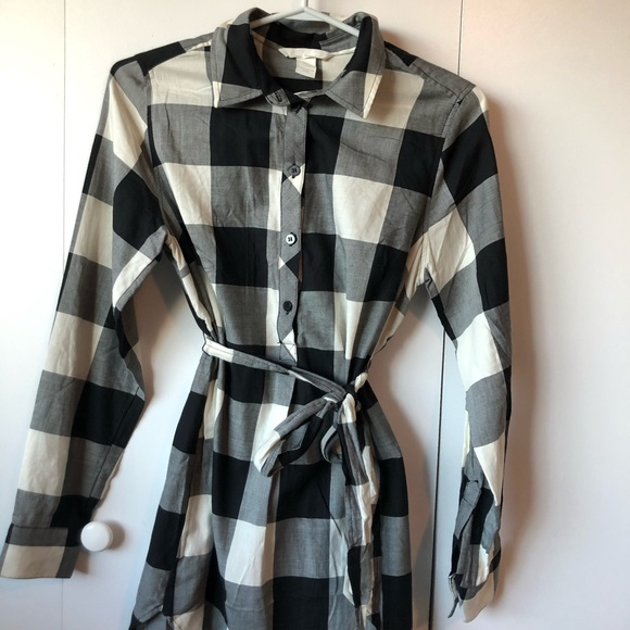 BLACK & WHITE PLAID LONG-SLEEVE DRESS 🖤